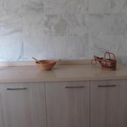 cuisine avec blanc marbre vielli