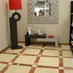 suelo marmol crema marfil clasico y rojo alicante envejecido