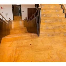escaleras_marmol_amarillo