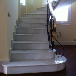 stairs_marble_white