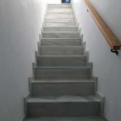 steps_marble_white